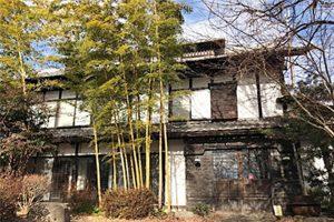 赤城南麓に位置する築130年の交流スペース「赤城山古民家IRORI場」=前橋市富士見町赤城山