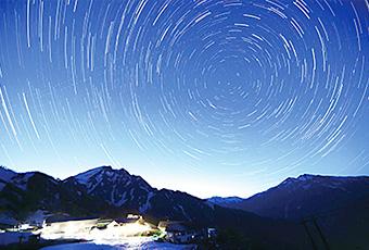 天神平から望む星空と谷川岳