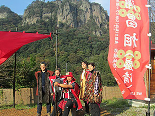 「岩櫃城おもてなしの乱~密岩神社の陣」は11月末までの土日祝日に開催。パワースポットでの真田丸コスプレが人気