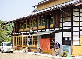 築140年の古民家を改修してオープンした富岡市の大丸屋