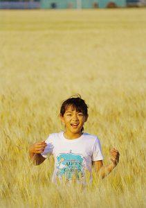 麦畑と笑顔